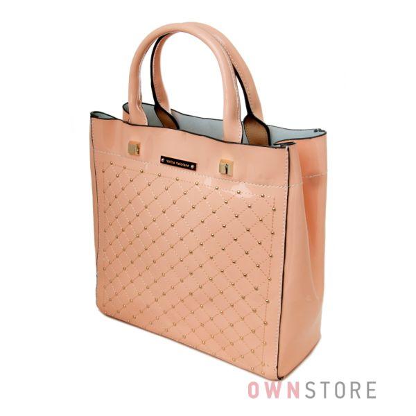 Купить сумку женскую кожаную лакированную в мелких заклепках персиковую от Велина Фаббиано - арт.35566-1