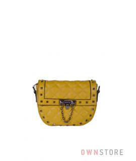 Купить онлайн миниатюрную женскую желтую кожаную сумочку с заклепками - арт.3005